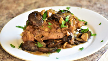 Creamy Garlic and Mushroom Chicken Thighs Recipe