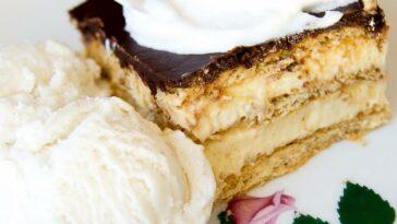 No-Bake Chocolate Eclair Cake Recipe