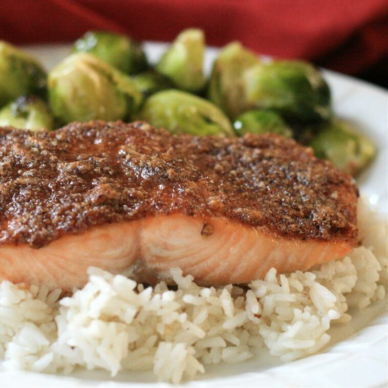 Paleo Pecan-Maple Salmon Recipe
