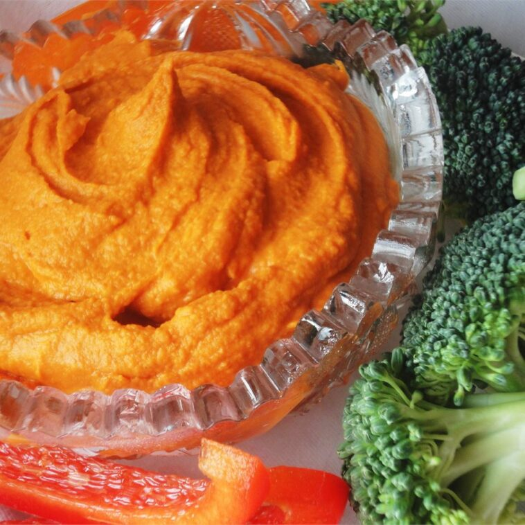 Spiced Sweet Roasted Red Pepper Hummus Recipe