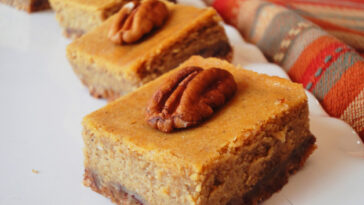 Perfect Pumpkin Cheesecake Bars Recipe