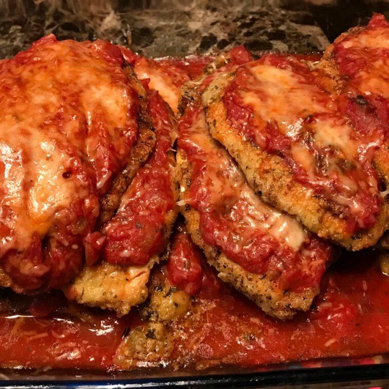 Paleo Chicken Parmesan Recipe - How to make Paleo Chicken Parmesan Recipe at home #paleo #chicken #parmesan #recipe #paleorecipe #paleorecipes #healthy #recipes #healthyrecipes #healthyrecipe #chickenrecipe #parmesanrecipe #chickenparmesan
