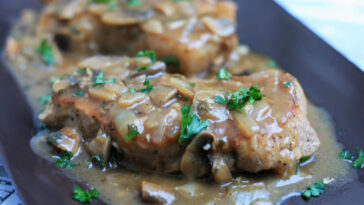 Southern Smothered Pork Chops in Brown Gravy Recipe