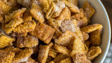 Easy Churro Chex Mix Recipe